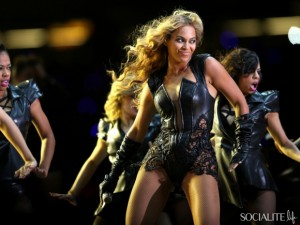 beyonce-super-bowl-performance-02032013-01-580x435