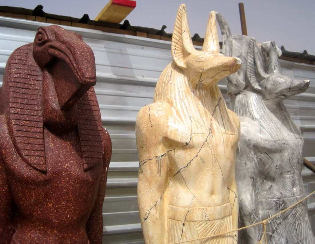 3 statues